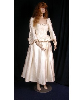 https://malle-costumes.com/5730/mademoiselle-coupe.jpg